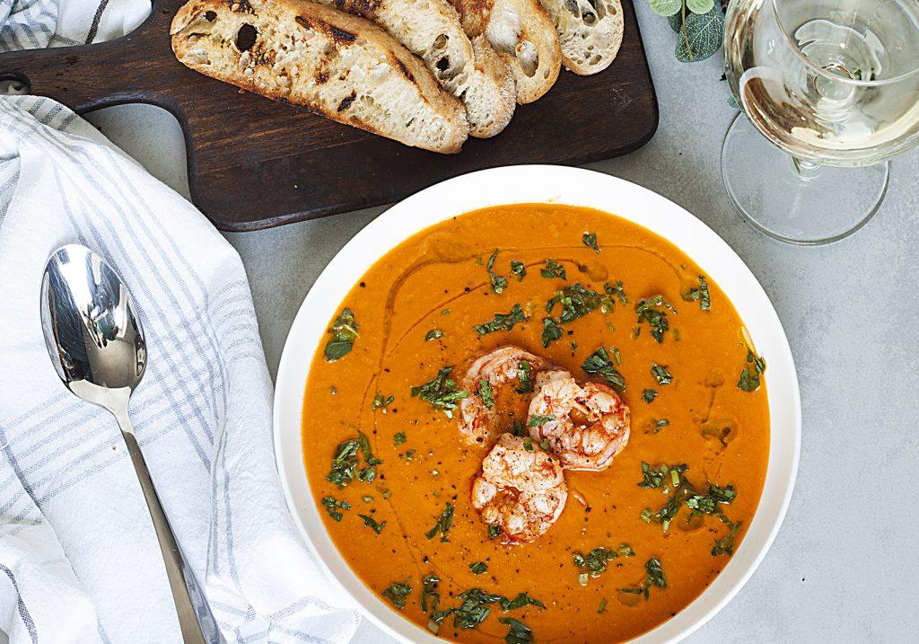 Francuska zupa z krewetkami i pomidorami