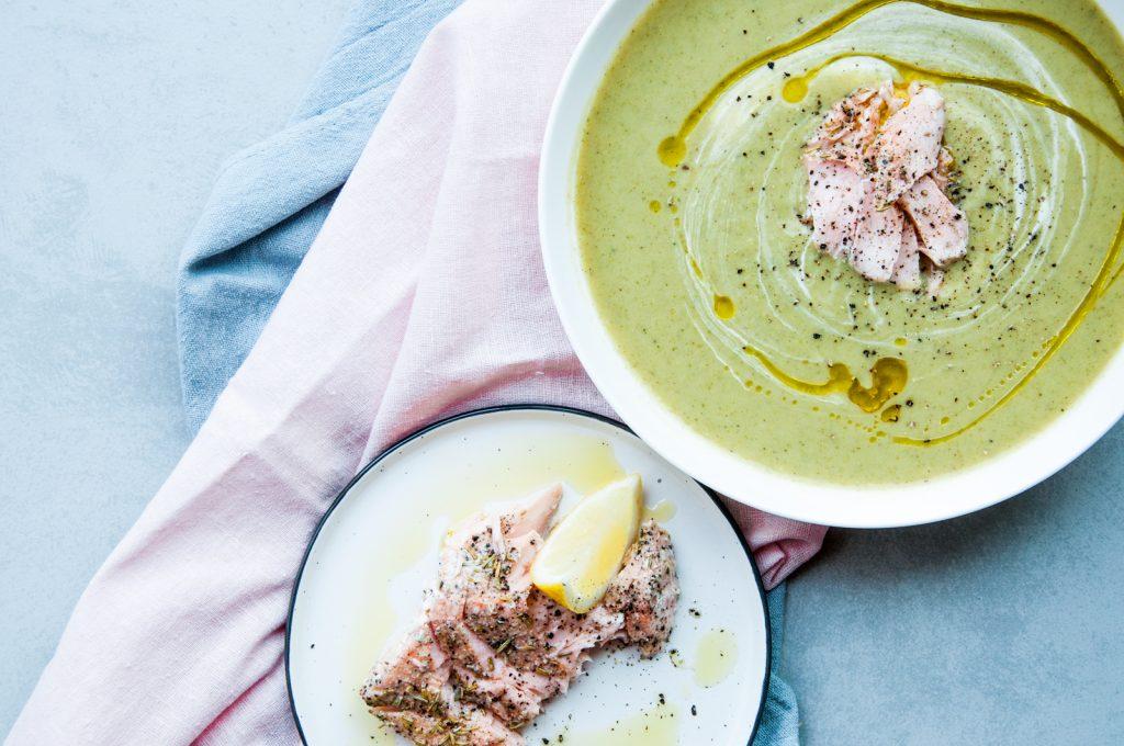 Kremowa Zupa Brokułowa z Pieczonym Łososiem