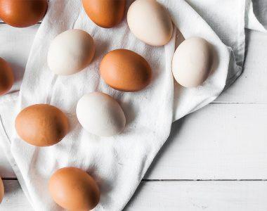 Jak wybierać jajka? Czy jajka są zdrowe? Ile dziennie możemy ich zjeść?