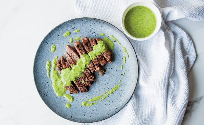 Steak z Antrykotu z Pesto Pietruszkowym