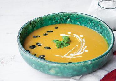 Zupa Krem z Pieczonej Dyni z Mlekiem Kokosowym, Imbirem i Kurkumą