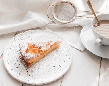 Clafoutis z brzoskwiniami czyli Francuski deser, którego nie za się zepsuć!