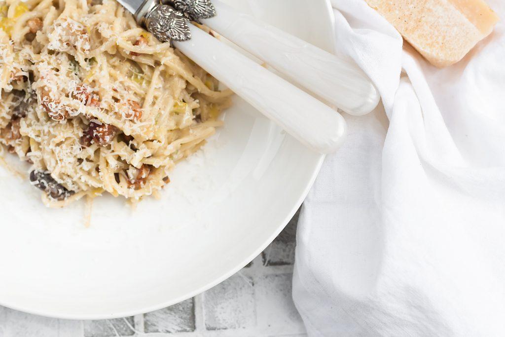 Polska Carbonara czyli pasta w sosie smietanowym z boczkiem i porem