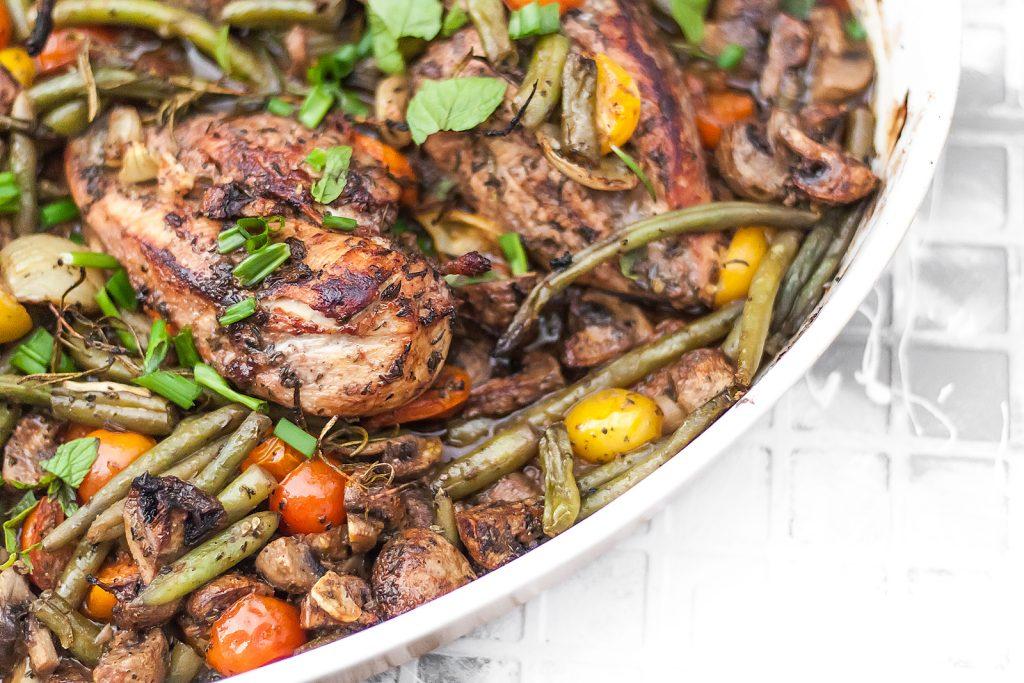 szybki kurczak pieczony w miodzie z warzywami