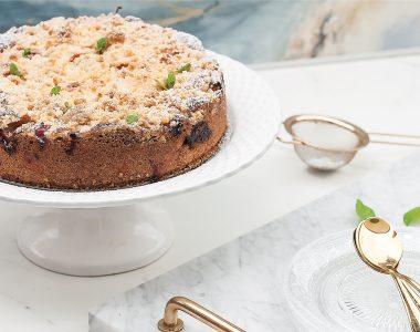 Szybkie ciasto ucierane z rabarbarem i kruszonką