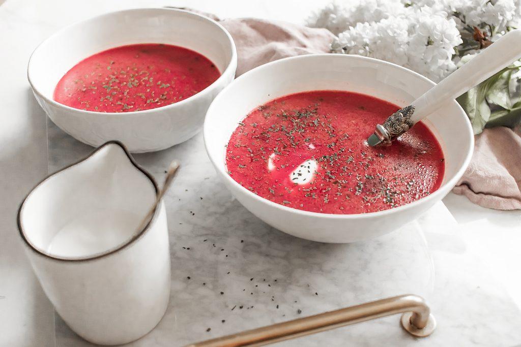 zupa z botwinki na bulionie