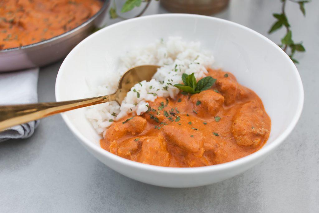 butter chicken czyli kurczak w maslano pomidorowym sosie