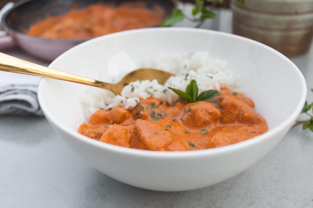 indyjski butter chicken czyli kurczak w maslano pomidorowym sosie