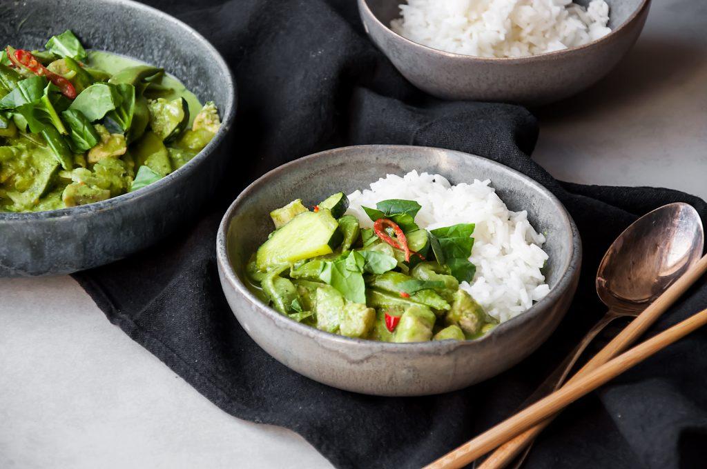 Tajskie zielone curry z kurczakiem i mlekiem kokosowym