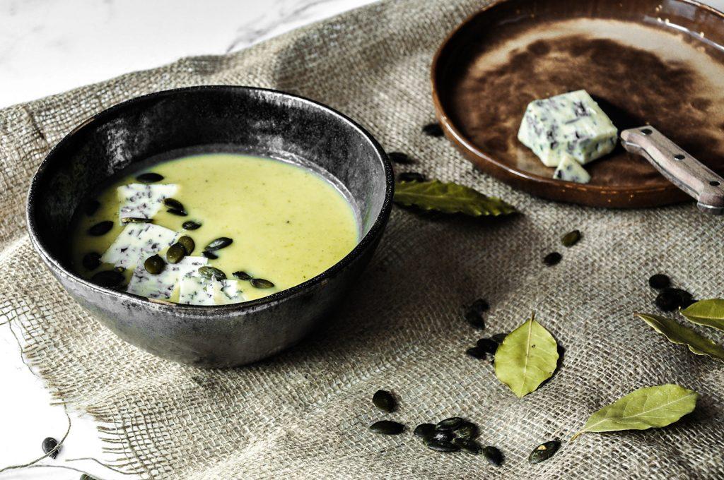 zupa krem z cukini z serem plesniowym
