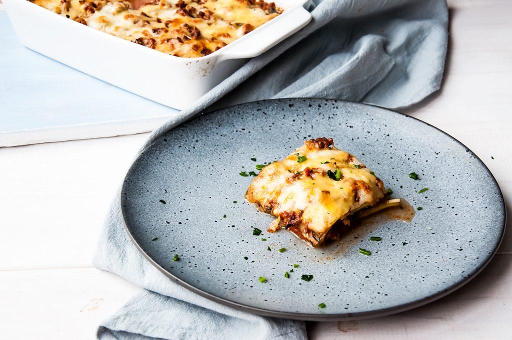 Bezglutenowe Lasagne z Wołowiną, Bakłażanem i Cukinią