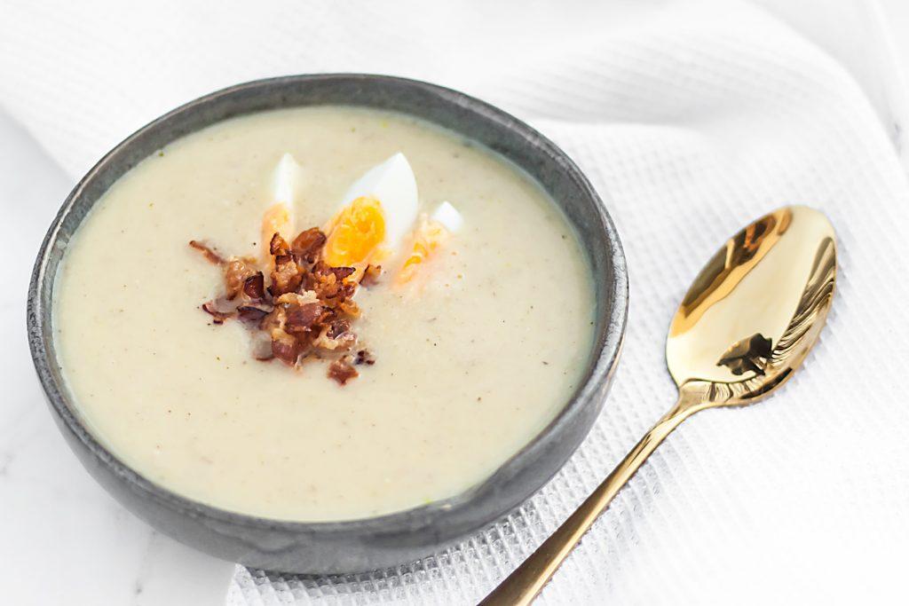 kremowa zupa chrzanowa z boczkiem