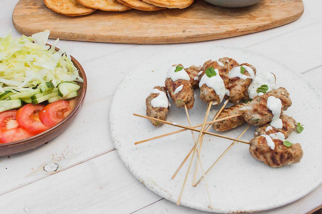 kofty z indyka czyli libańskie szaszłyki z mięsa mielonego