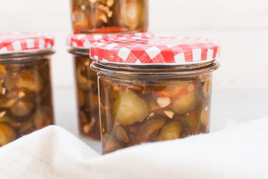 przepis na ogórki z chilli i czosnkiem