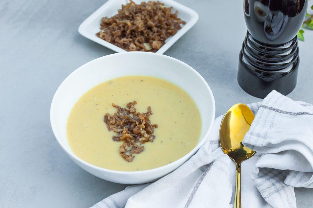 prosta zupa z pora z mięsem z indyka