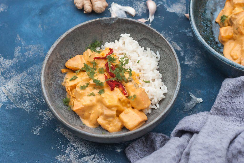 przepis na weganskie czerwone curry z dynia i tofu