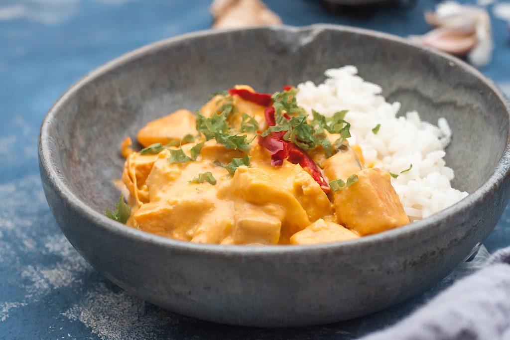 proste tajskie curry z dynia i tofu